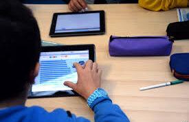 ائتلاف أولياء أمور مصر: لا يوجد تواصل بين الطلاب والمعلمين بعد توقف الدراسة